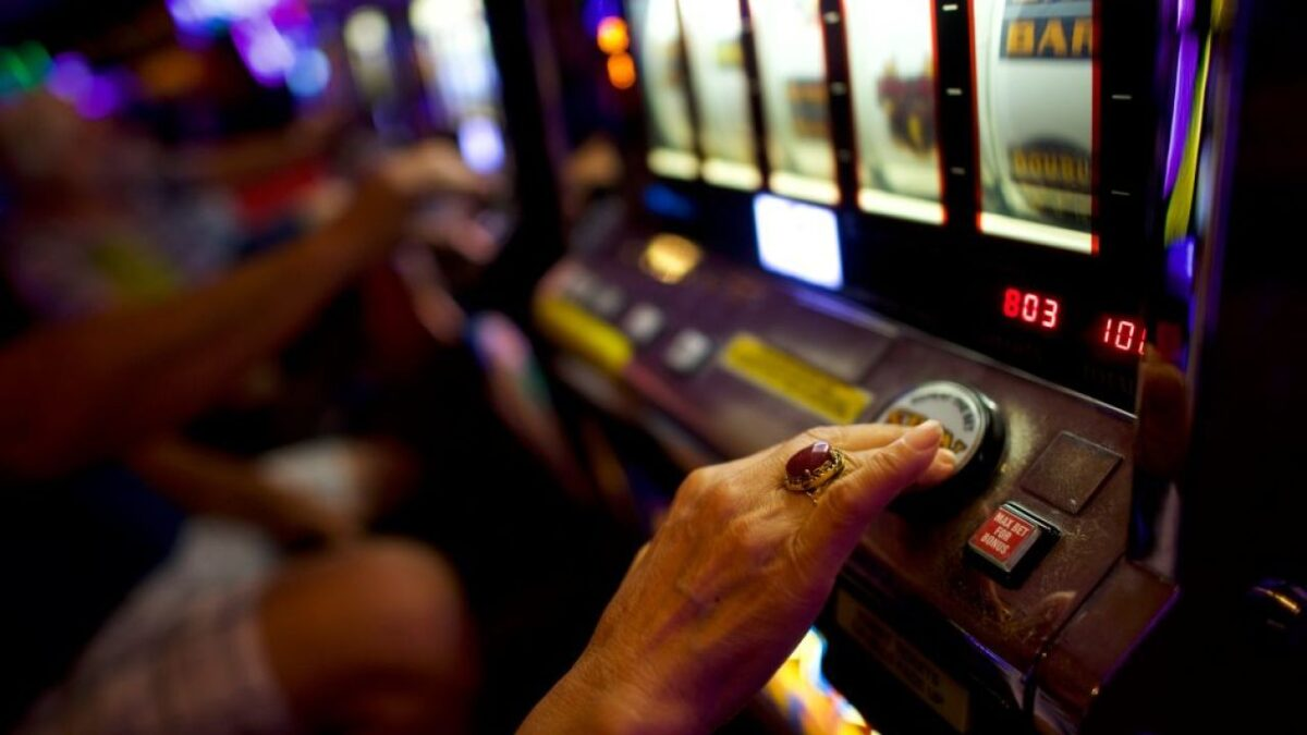 Fashionable Techniques To Boost On Online Gambling